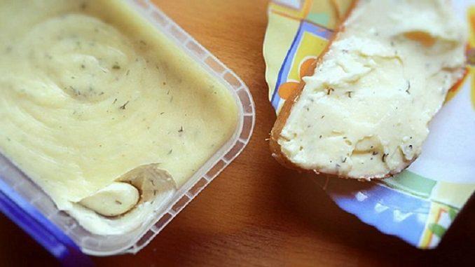 Эта намазка на хлеб  Источник: https://best-recipes.ru/eta-namazka-na-xleb-dast-foru-myasnym-delikatesam-gotovlyu-kazhdye-vyxodnye-a-xvataet-na-paru-dnej/