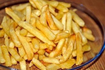По вашим просьбам: ПРОВЕРЕННЫЙ РЕЦЕПТ картофеля «фри» (без жира и масла).