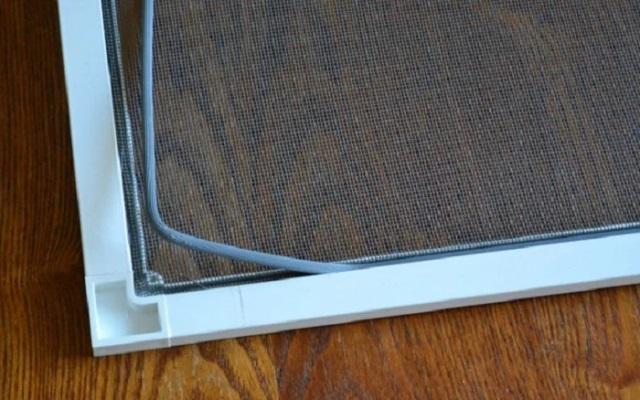 Черная пыль на подоконнике: чем она опасна и как защитить от неё квартиру 6