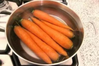 Мне 35 и я всю жизнь варила морковь неправильно. Шеф-повар кафе тыкнул меня носом в 5 ошибок. 1