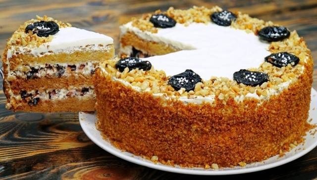 Рецепт обалденного бархатного медового торта на Новый год 1