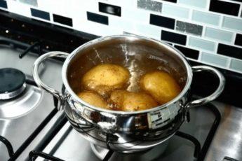 Знакомый повар сказал, что я всегда варила картошку неправильно и дал 5 важных советов 1